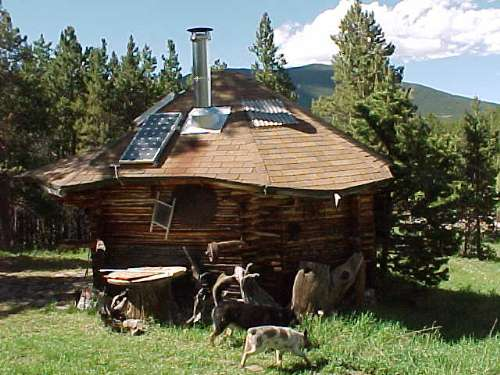 cabin with solar panel. Interior Design Ideas. Home Design Ideas